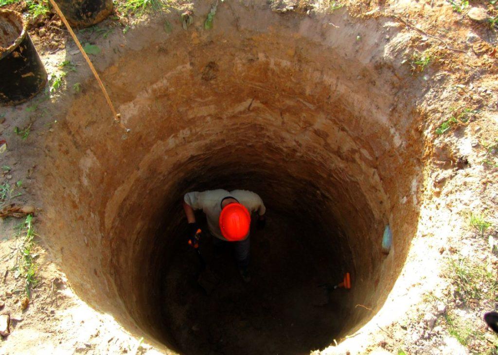 вырыть яму цена